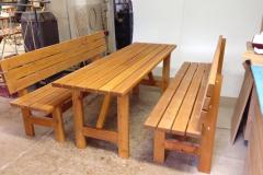 Lavičky a stůl - venkovní nábytek