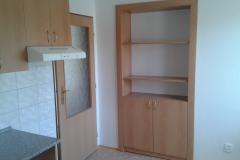 Nábytek - skříňka a poličky