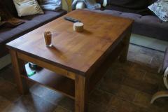 Stůl v obývacím pokoji